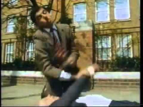 Hài cười vỡ bụng với ngày khốn khổ của Mr Bean