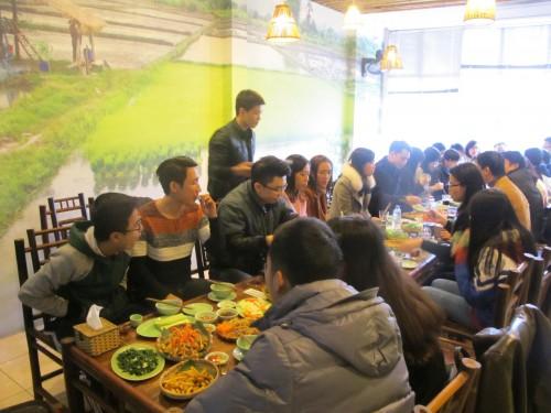 nha-hang-mon-an-xuoi-nguo-tai-172khuyat-duy-tien1
