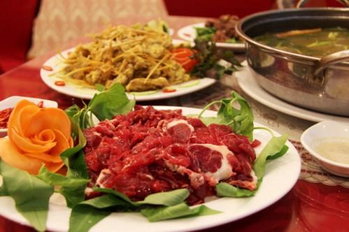 Cửa hàng thịt trâu lá lồm ở Hà Nội - Món ăn xuôi ngược