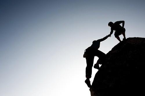 Không giúp đỡ người khác là một điều bạn nên nghĩ lại